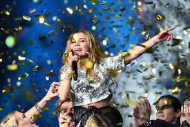 Lisa Ajax wins Swedish Idol in a glammy sequin top from Diabless of Sweden!