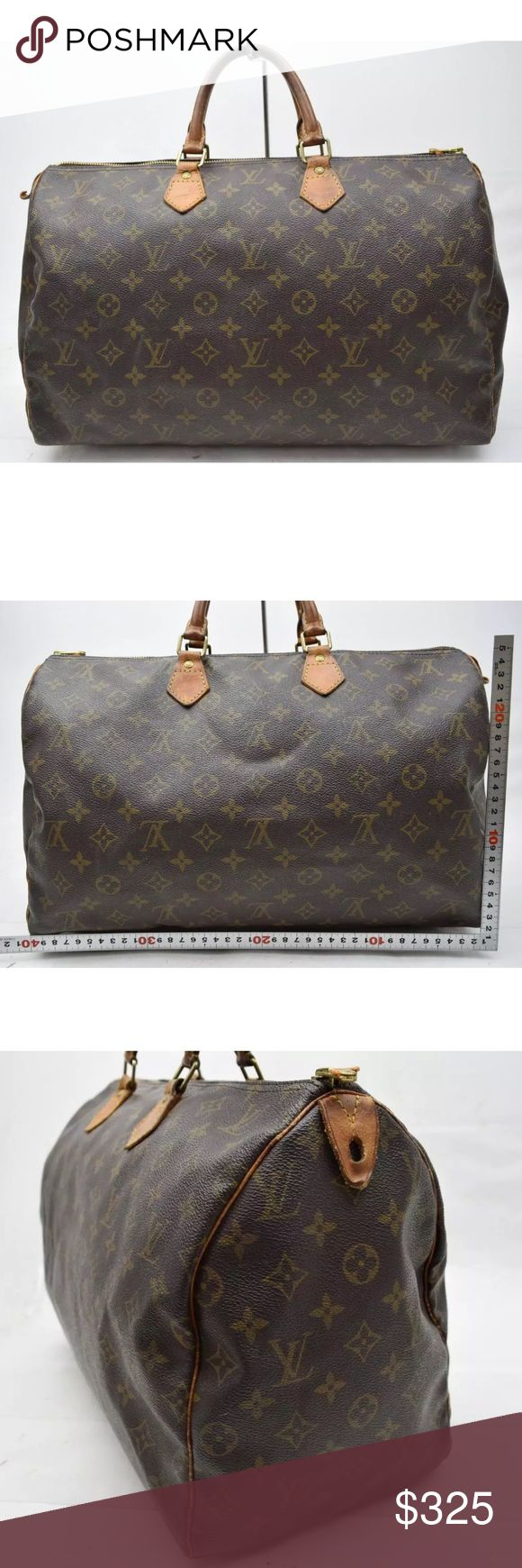 AUTH LOUIS VUITTON SPEEDY 40 VINTAGE SATCHEL BAG Shows minor wear on the corners. Zipper pull missing. Minor discoloration on handles. Inside there are stains.  on the bottom. Zipper works properly. Louis Vuitton Bags Satchels