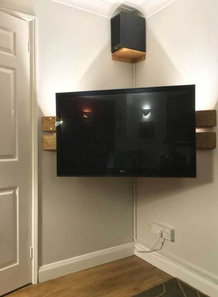 Wall Mounted Corner Tv Stand Diy Left Over Floor Boards Corner Tv Cabinets Corner Tv Wall Mount Modern Tv Wall