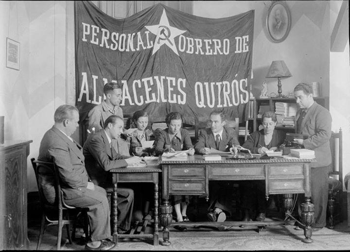 Spain, 1936. Madrid. Personal obrero de almacenes Quirós.