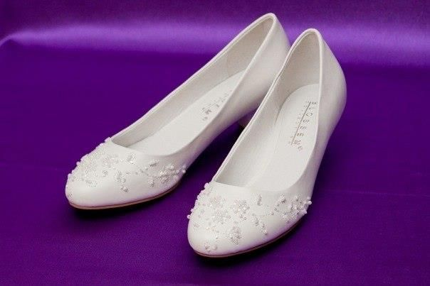Свадебные обувь на низком каблуке