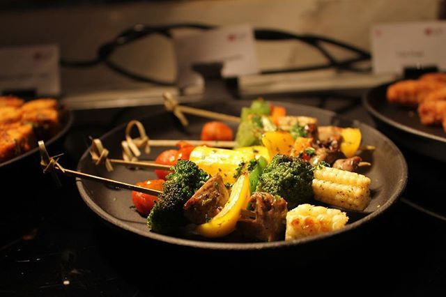 Enjoy These Yummy Vegetable Skewers At The Nook Buffet In Aloft Aerocity New Delhi Aloftnewdelhiaerocity Hun Vegetable Skewers Food Photography Food
