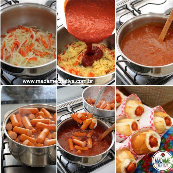 -Corte as cebolas e o pimentão ao meio e depois fatie. Leve ao fogo com óleo ou azeite. 2-Quando as cebolas começarem a dourar, despeje o molho de tomate. 3-Abaixe o fogo e deixe cozinhar lentamente por cerca de 15 minutos. 4-Enquanto isso, corte as salsichas ao meio e coloque-as em uma panela com água fervendo. 5-Adicione as salsichas ao molho e deixe mais 5 minutos no fogo baixo.