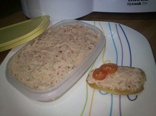 Una deliciosa receta de Paté de jamón york y serrano para #Mycook http://www.mycook.es/receta/pate-de-jamon-york-y-serrano/