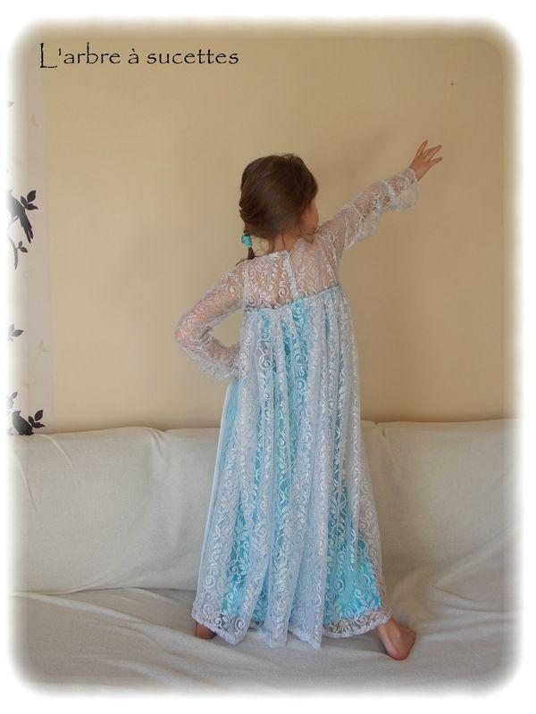 Les 48 meilleures images du tableau costume reine des neiges sur pinterest costume reine des - Robe elsa reine des neiges ...