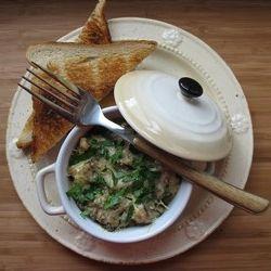 Mini cocottes aux champignons http://olivovakucharka.webgarden.cz/rubriky/seznam-receptu/kokotky/houbove-kokotky-mini-cocottes