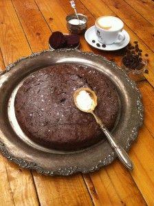 Makkelijke chocolade rode bieten taart