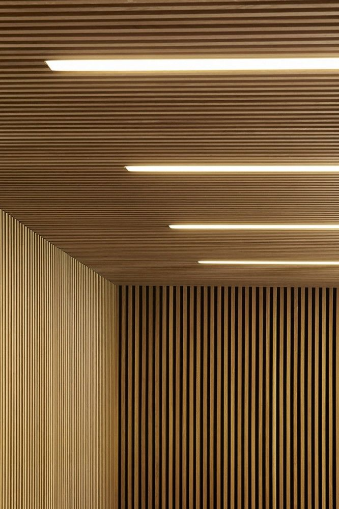 Britten Pears Archive / Stanton Williams. nternally, the materials are limited to fairfaced concrete soffits and columns (providing thermal mass and cooling) and timber wall linings, floors and windows to provide warmth and texture