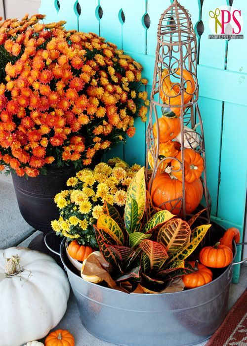 love this outdoor fall decor Fab #diamondcandles and #harvestcontest2012