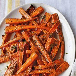 As cenouras caramelizadas são uma surpresa para o paladar. Podem ser servidas como saborosas entradas, com salmão braseado ou fumado. Além de ser uma receita deliciosa é também muito saudável e cabe perfeitamente numa dieta vegetariana.