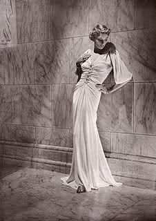 Un raffinatissimo abito a sirena tanto amato dalle dive degli anni 40