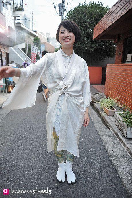 120805-7525 - Japanese street fashion in Harajuku, Tokyo (Monikoto, Sou Sou)