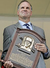 Cubs great Ryne Sandberg gets inducted into Hall of Fame