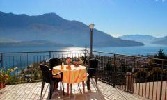 Residence Le Azalee - Feriebolig i Vercana i Lombardiet - Italien