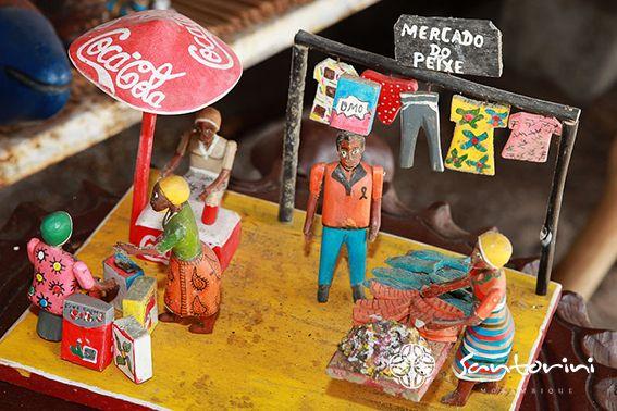A depiction of a local scene of the market, that you can buy at the market.  #VillaSantorini #Mozambique #MunicipalMarket #Vilanculos