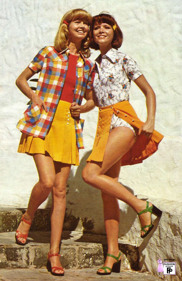the fashion of the seventies and the nineties The '80s was a decade of bold style, colors, and silhouettes (permed hair included), with trends spanning ripped tights and leather to polished oversized blazers, and style icons ranging from joan.