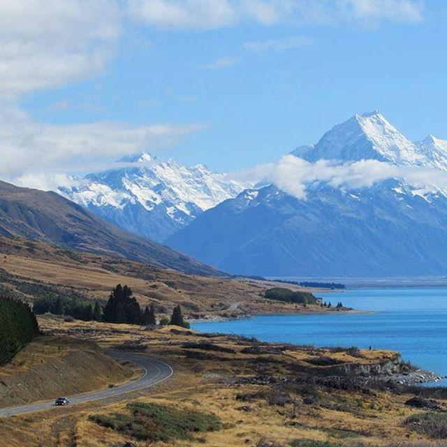 Foram 52 dias dirigindo pela Nova Zelândia de van e passando por uma das estradas mais bonitas do mundo, acampando em lugares inusitados e curtindo dia após dia.. sem me preocupar com nada, sem pressa.. Tirei do papel minha #trip dos sonhos!  _ ⛽️Christchurch to Queenstown #nomadiccarol #carolprates #newzealand @purenewzealand