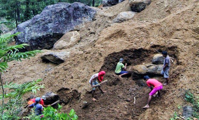 Batu Badar Besi Perbukitan Bulu Beras Kebumen | Widodo Groho Blog