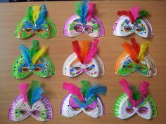 Activité 3-6 ans: Viva Carnaval! Assiettes en carton, paillettes, peinture et plumes!!!!