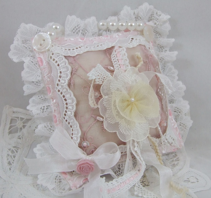 Sticky With Icky: Bit Of Altering..............  ...........this pretty shabby chic cushion for my daughter