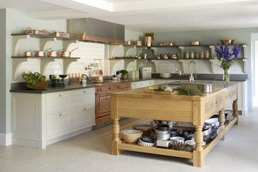 Rattlebridge Farm: Two Bespoke Kitchens