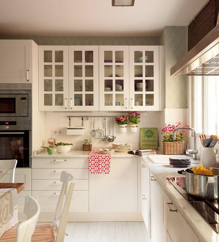 #excll #дизайнинтерьера #решения Белые кухни пользуются огромной популярностью, они выглядят стильно и изящно, они вне времени.