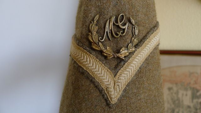 Machine Gunners badge over Lance Corporal badge.