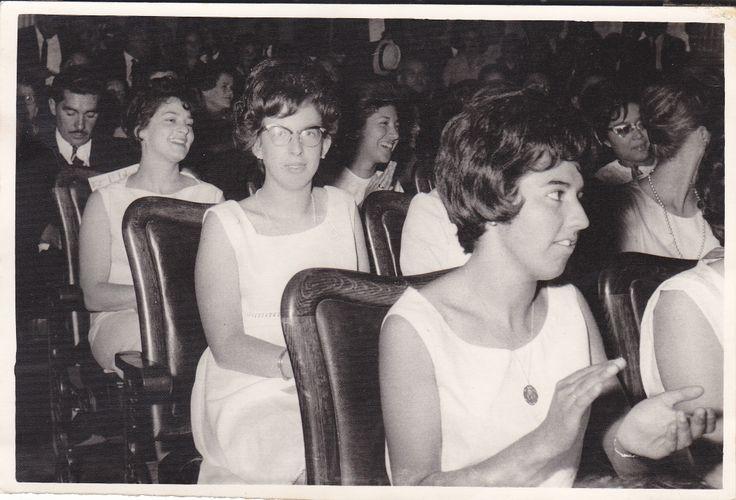 Santiago 1965. Cereminia de entrega de Titulos de Profesora de Educación para el Hogar. Universidad de Chile.