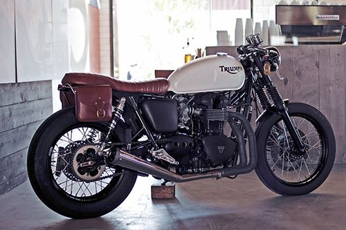 Convoy: One Day, Cars Motorcycles, Triumph Motorcycles, Custom Motorcycles, Easy Projects, Panniers Motorbikes Leather, Vintage Bike, Triumph Motorbikes, Cafe Racers