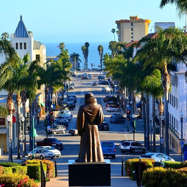 ✩Downtown Ventura✩ Ventura, California Photo by Hector Vargas Jr www.instagram.com/hectro805