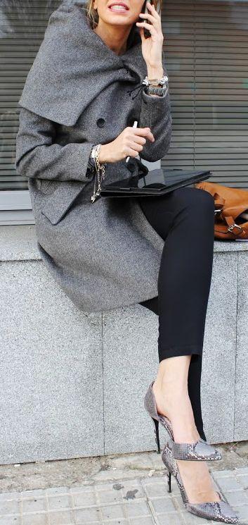 Classic coat via @brendabill123. #coats #streetstyle