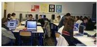 Ce dossier rappelle les enjeux des TICE dans l'enseignement du français et propose un éventail d'usages et de scénarios pédagogiques pour la classe.