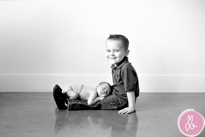 : Photo Ideas, Newborns Brother Pictures, Little Brother, Big Brother, Sisters Photo, Baby Photo, New Baby, Sibling Photo, Photography Ideas