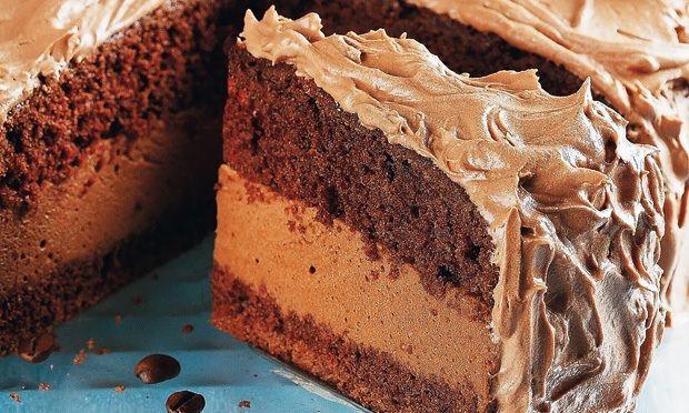 O Recheio de Mousse de Chocolate da Isamara é saboroso e consistente, por isso ele forma uma camada deliciosa no recheio do seu bolo e não escorre. Use e a