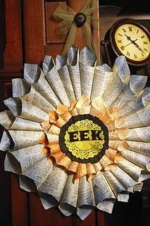 Folded-Paper Wreath DIY