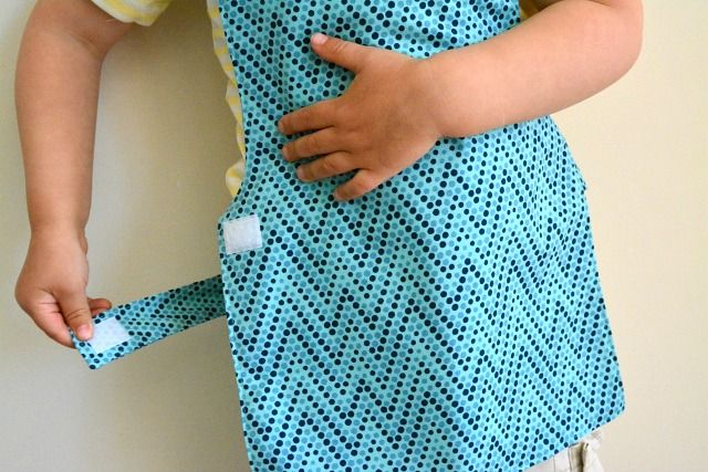toddler cotton apron from How we Montessori Shop (More than just clothing protection)