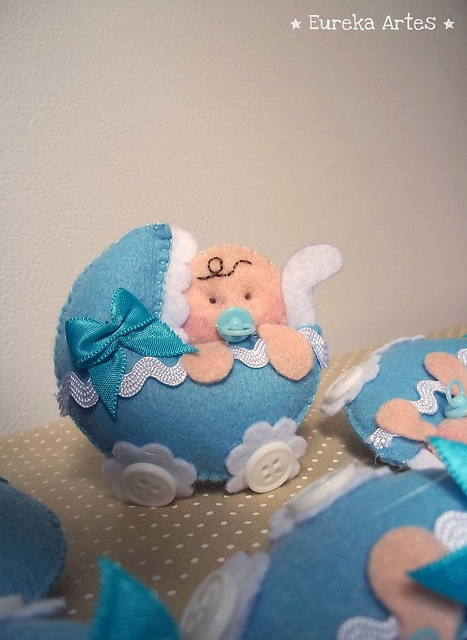 Lembrancinha de nascimento - carrinho de bebê com rodinhas de botões