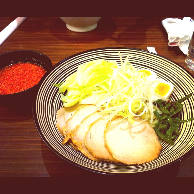 Spicy cold ramen