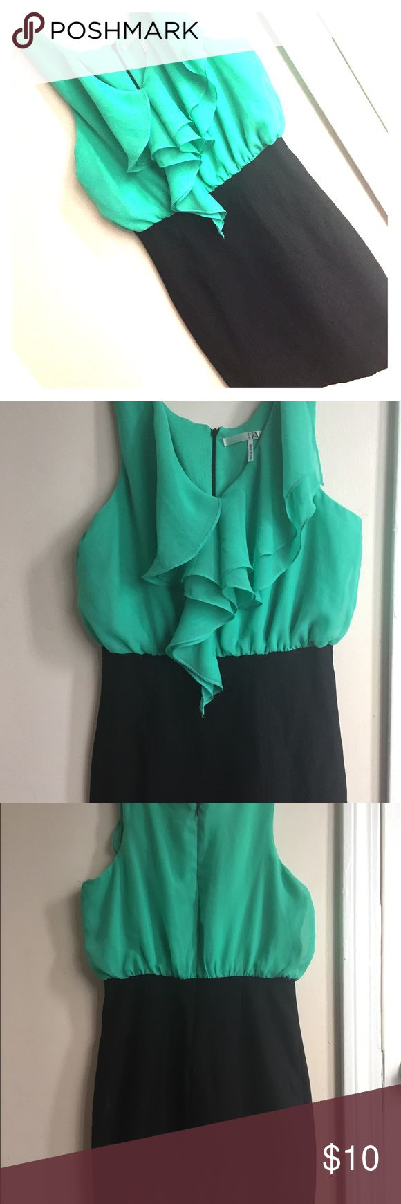 Flattering Teal and Black Ruffle Top Dress 👗 Teal ruffled blouse on top to accentuate the girls 👀 and thick, tight black skirt to slim your waist! Dresses