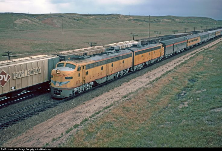 RailPictures.Net Photo: UP 957 Union Pacific EMD E8(A) at Borie, Wyoming by Jim Hinkhouse