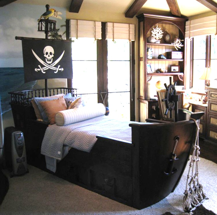 Boys Pirate Bedroom: Captn Wills Pirate Ship Bed Twin
