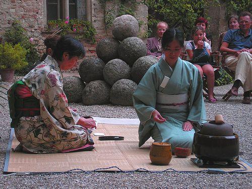 Nipponica 2007 Cerimonia del tè con la maestra Yoko Shimada - Castello di Montechiarugolo (PR)