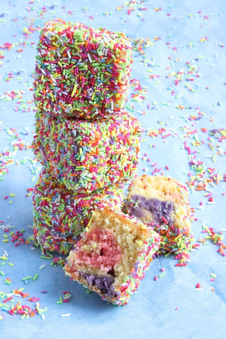 Bubblegum Funfetti Lamingtons