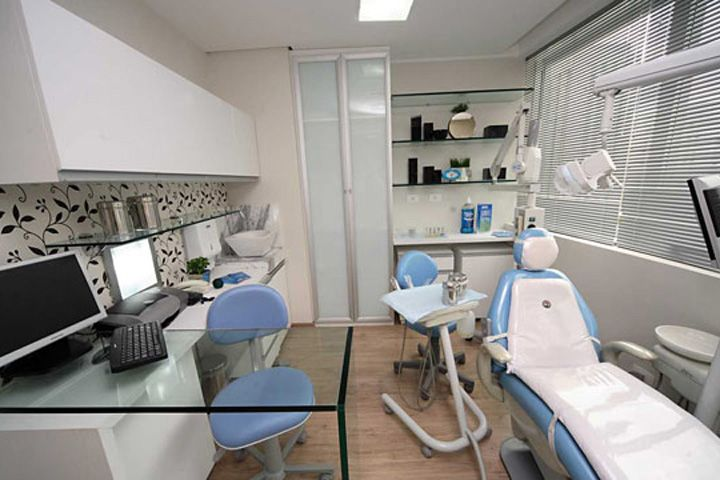 Consultório Odontológico (2007)                                                                                                                                                                                 Mais