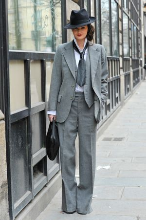 I want to dress like this <3 Tie and everything  P: