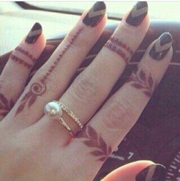 Mehndi leaf rings design