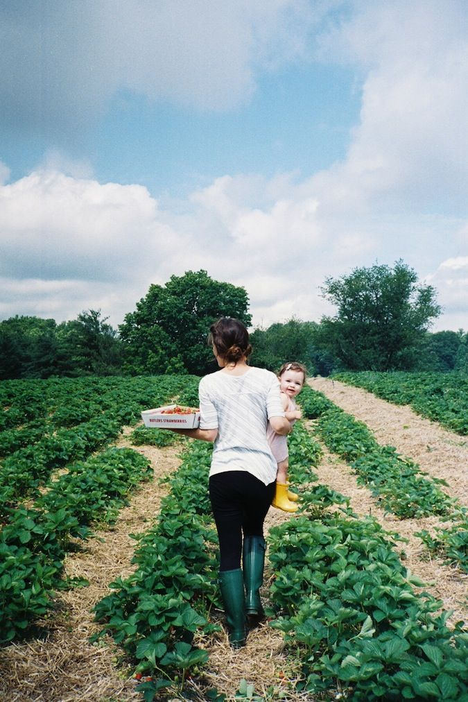 : Strawberries Pick, The Farms, Hunters Boots, Children, Gardens, Farms Life, Strawberries Fields, Dreams Life, Kid