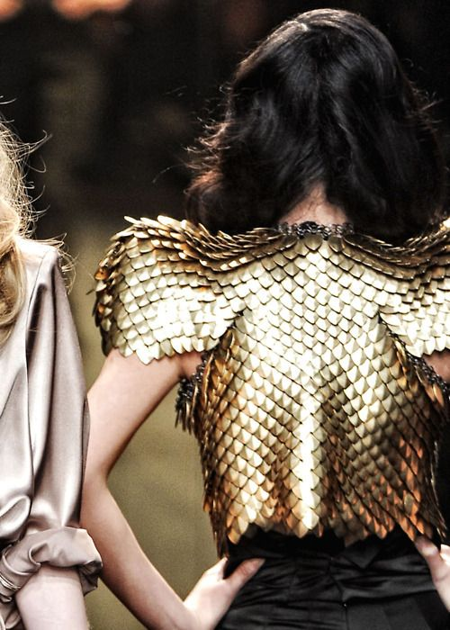 Dragonscale! Game of Thrones inspiration?::: OutsaPop Trashion ::: DIY fashion by Outi Pyy :::: Heart of black studded gold