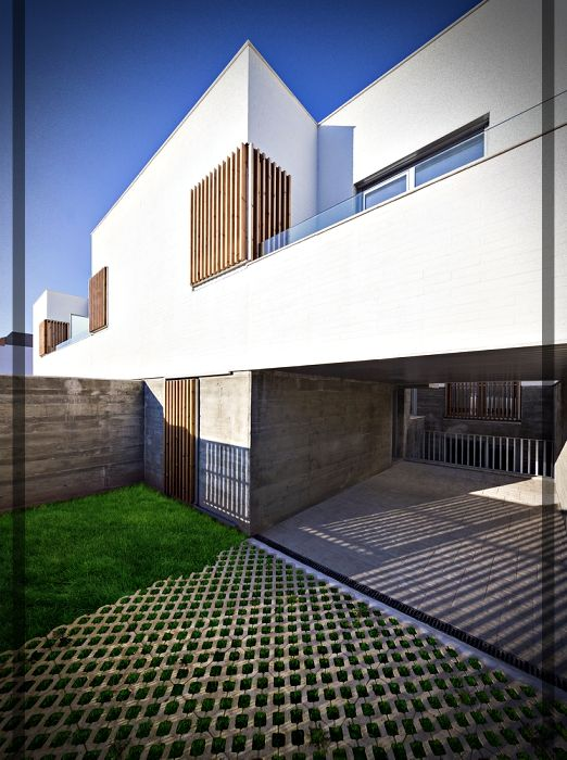 Viviendas adosadas en granada espa a construcciones for Construcciones minimalistas