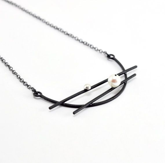 Oxidized Sterling Silver Pendant. Cultured Pearl. Oval Link Chain. EL VIEJO BALANCIN Pendant. Handmade by Maria Goti Joyas.